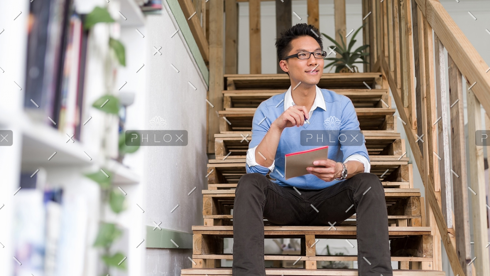 portrait-of-young-businessman-in-casual-P86QBSV-1